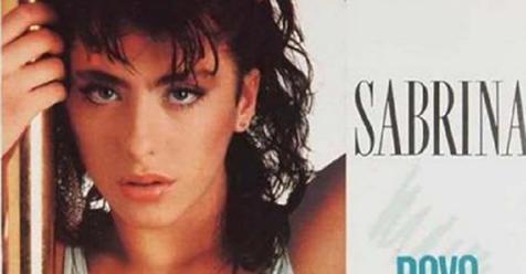 Ricordate Sabrina Salerno? Era uno dei volti più sensuali degli anni 80. A 50 anni la ritroviamo così